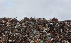 VIDEO: Planina smeća koja će uskoro biti veća od Tadž Mahala