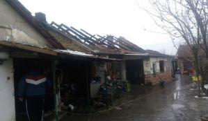 FOTO: Porodici iz Zmajeva požar odneo dom