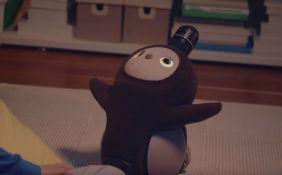 VIDEO: Robot koji je napravljen da grli i usreći svog vlasnika