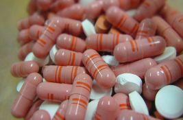 Velika analiza pokazala koja grupa lekova smanjuje rizik od smrti usled kovida