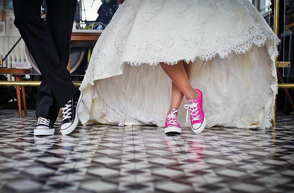 VIDEO: Nakon dve godine ponovo organizovano kolektivno venčanje u Beogradu