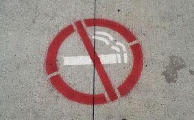 Španska pokrajina zabranila pušenje na javnim mestima zbog korone
