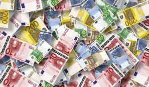 Merkel i Makron podržali uvođenje EU obveznica