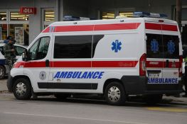 Dvadesetogodišnjak na Dorćolu uboden nožem u grudi