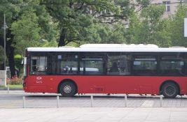 Kinez priznao da je putnice beogradskih autobusa tukao čekićem jer mu je bilo vruće