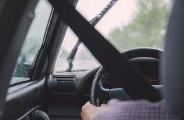 VIDEO: Samo jedna osoba na svetu može da vozi legalno bez vozačke dozvole i tablica