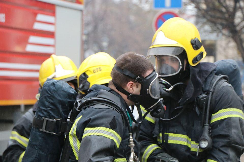 Požar u stanu u Beogradu, evakuisani svi stanari