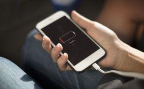 Google potvrdio: Dark mode čuva bateriju