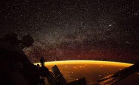 FOTO: Sa svemirske stanice snimili zanimljiv narandžasti sjaj oko Zemlje