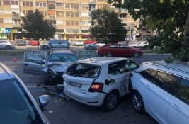 FOTO: Pešak teško povređen u udesu na Bulevaru oslobođenja