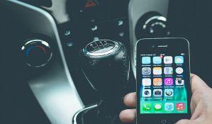 Zbog upotrebe mobilnih telefona tokom vožnje u Holandiji kažnjeno 200.000 građana