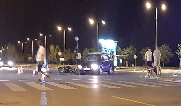 FOTO: Težak udes na Detelinari, motociklista zadobio potres mozga i prelom podlaktice