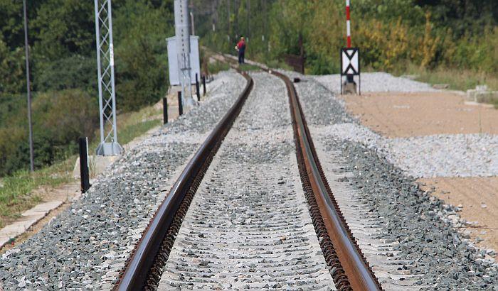 Mašinovođa pronašao telo muškarca na pruzi ispod nadvožnjaka Bulevara Evrope