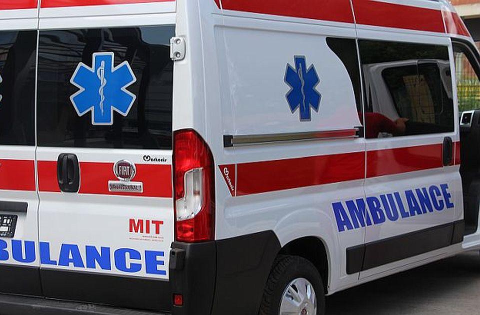 Udes u Futogu: Automobilom udario u znak, pa uleteo u pekaru