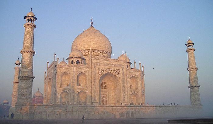 Razgledanje Tadž Mahala ograničeno na tri sata
