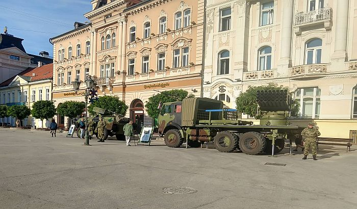 FOTO: Vojska Srbije danas i sutra na Trgu slobode predstavlja svoju opremu