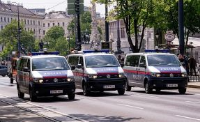 Lekar srpskog porekla u Austriji osumnjičen da je kolegama davao tortu punu otrova