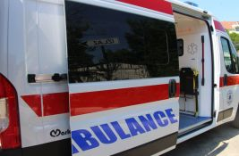 Oboren motociklista na Grbavici, sudar autobusa i automobila na Telepu