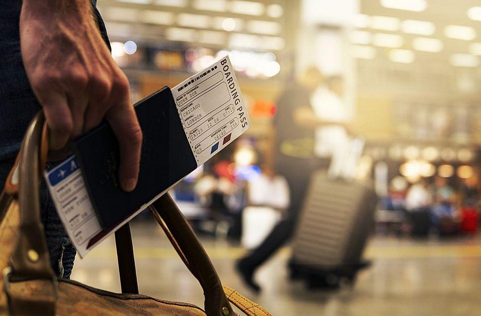 VIDEO: Haos na aerodromu u Portugaliji i redovi bez kraja - Britanci žure kući