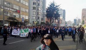 Kolumbijska policija suzavcem rasturila