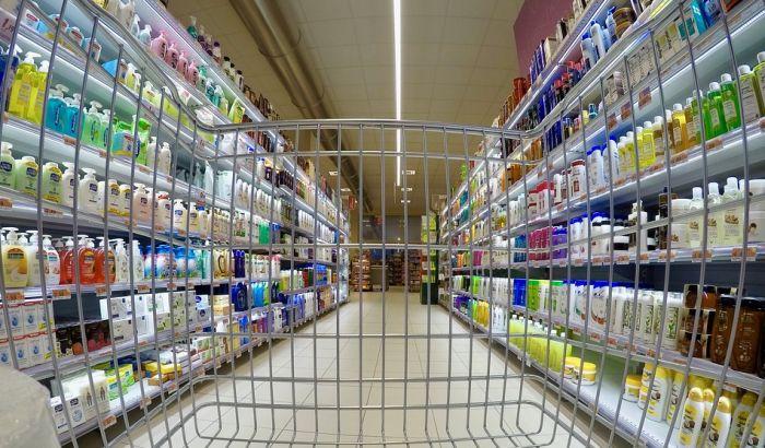 Građani Hrvatske svakodnevno prelaze granicu da bi jeftinije kupovali u Bogojevu