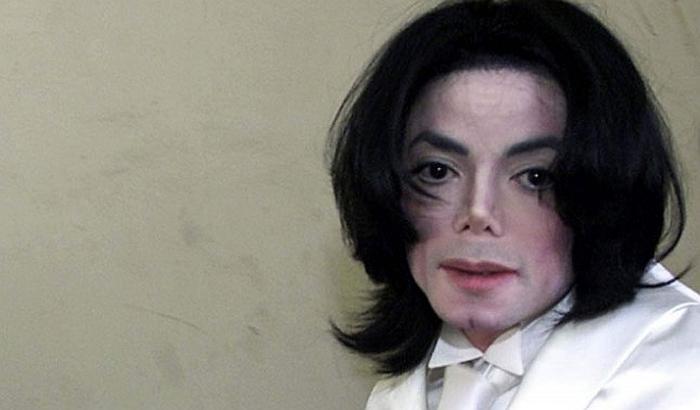 Voštana figura Majkla Džeksona sklonjena iz danskog tržnog centra