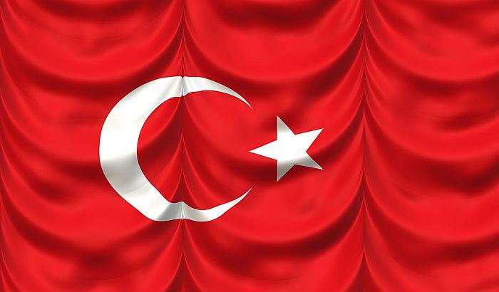 Vojni helikopter se srušio u Istanbulu, poginule četiri osobe