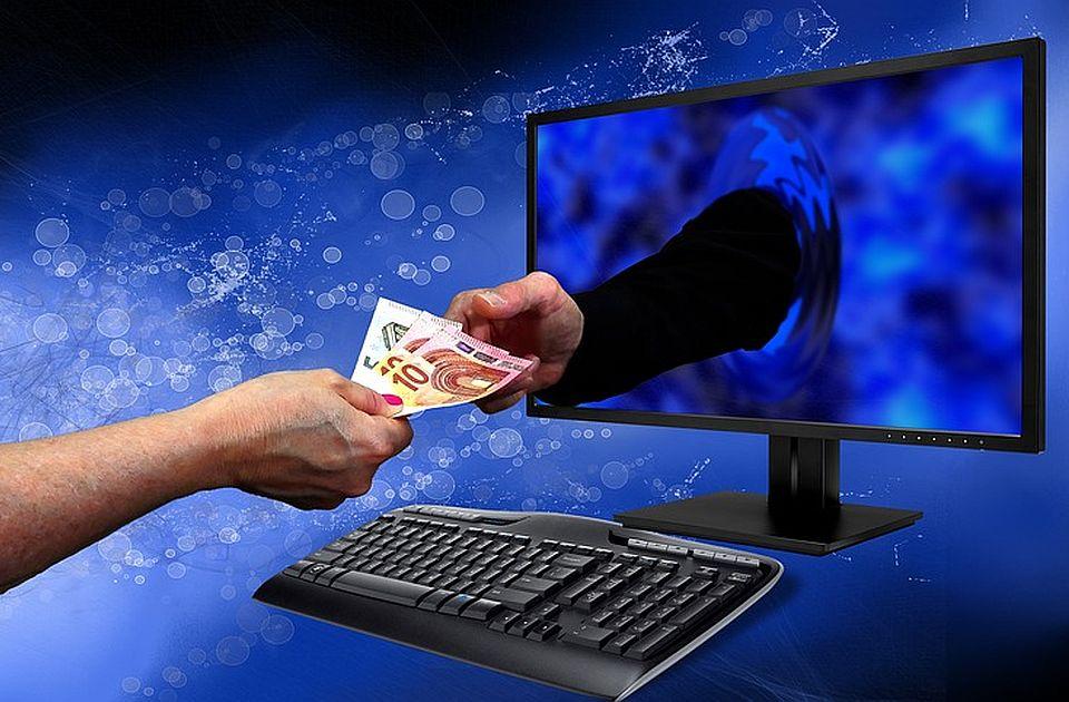Pušteni iz pritvora osumnjičeni za prevare putem lažnih investicionih platformi koje traže SAD