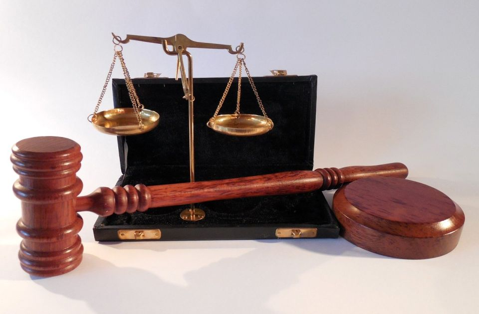 Bračni par iz Obrenovca osuđen zbog zlostavljanja i iskorišćavanje bolesne žene