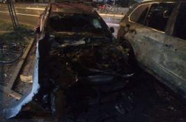 Automobili izgoreli u Stražilovskoj pripadaju devojci za čiju se otmicu sumnjiči Sloba Snajper