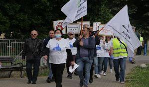 Štrajk upozorenja u deset novosadskih škola i protest zbog izbora za v.d. direktora u Kisaču