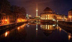 Urinirao sa mosta u Berlinu, povređen veći broj lica