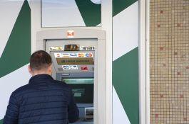 Banke korekcijama cena utiču na prelazak klijenata na digitalne usluge
