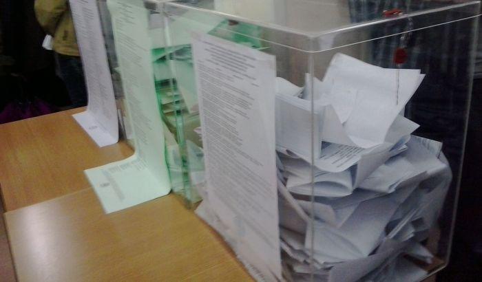 Članica RIK-a predložila da se neubacivanje glasačkog listića tretira kao krivično delo