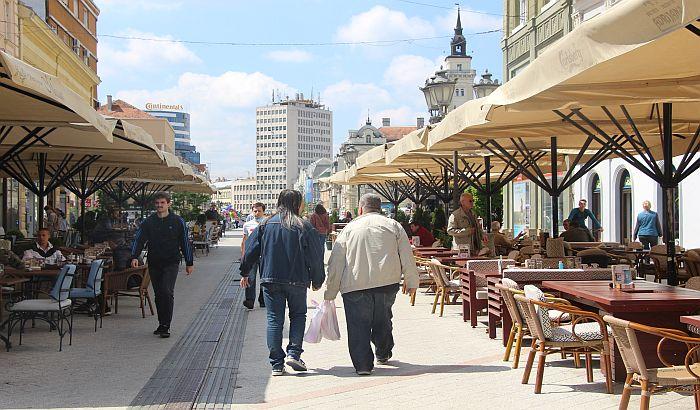 Nova odluka: Dozvoljeno okupljanje 100 ljudi na javnom mestu