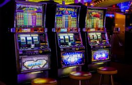 U Italiji zbog pandemije zatvoreno 63 hiljade kockarnica i kladionica