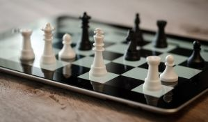 Svetski prvak organizuje onlajn turnir u šahu
