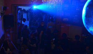 Nova godina u Radio kafeu - žurka u duhu najboljih diskoteka