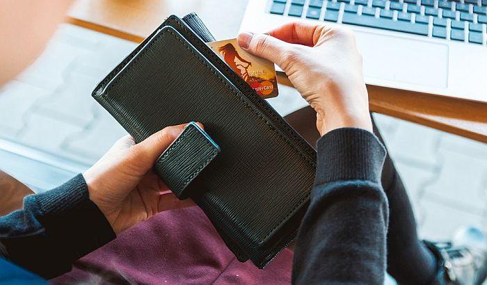 Pojeftinile međubankarske naknade za platne kartice