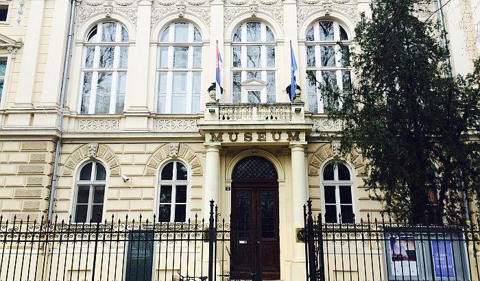 """Predstava """"Otkud šlem u babinoj bašti"""" danas u Muzeju Vojvodine"""