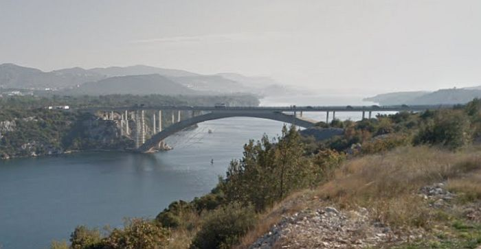 Šibenik: Preživeo skok sa mosta visokog 40 metara