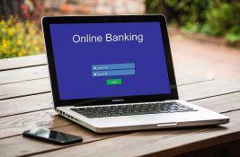 Svaki klik za bankare keš: Građani negoduju zbog uvođenja provizija na onlajn plaćanje