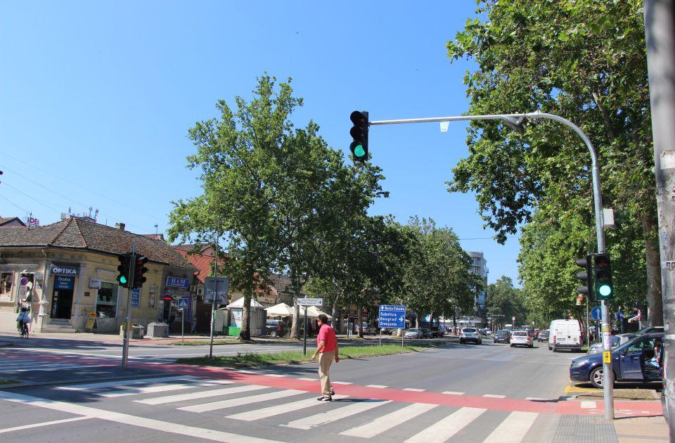 VIDEO: Počeo sa radom novi semafor u Jevrejskoj ulici, oprez u saobraćaju