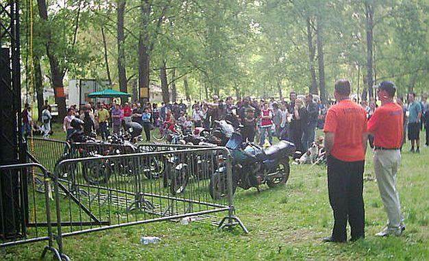 Zbogom Brus Li na Prvomajskom uranku u Limanskom parku