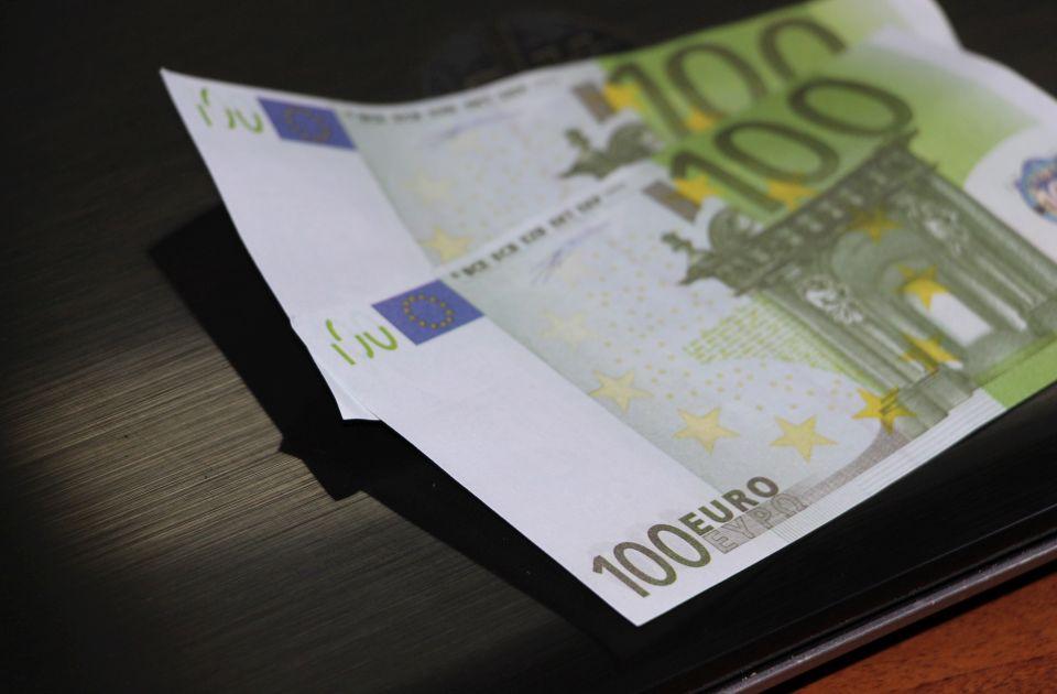 Dijaspora zbog pandemije u Srbiju slala manje novca