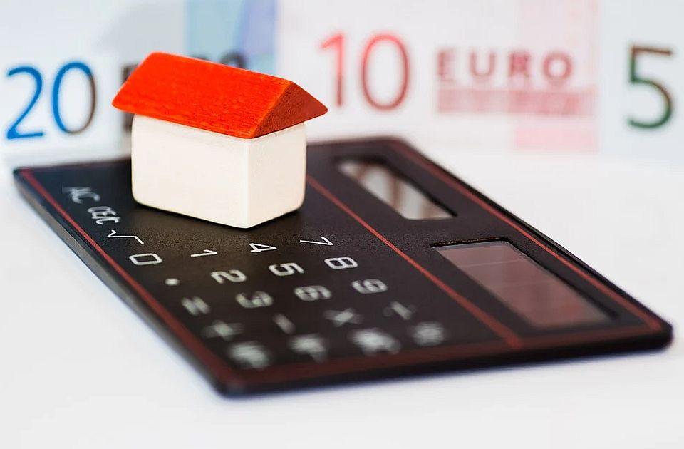 Na kraju aprila dug za kredite bankama 2.958 milijardi dinara