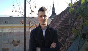 Novosađanin Risto Nestorović, konobar koji piše ljubavnu poeziju i veruje da ljubaznost može da spasi svet