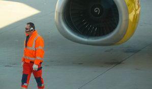 VIDEO: Avion prinudno sleteo zbog kvara motora