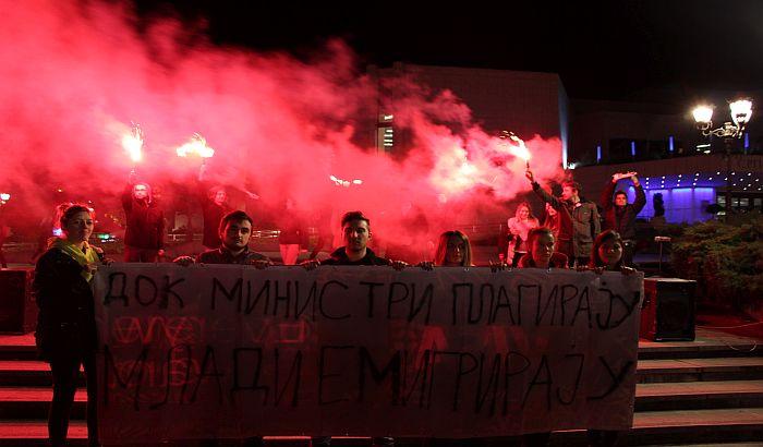 VIDEO, FOTO: Sa protesta u Novom Sadu poručeno da Siniša Mali i cela vlada moraju da odu