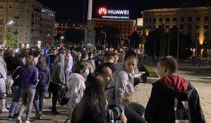 Beograd: Ispred Skupštine Srbije oko hiljadu ljudi